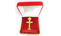 Vàng và bạc quý hiếm làm Tượng Thiên Chúa ba ngôi cao sang