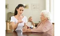 Chỗ mình làm có chị đang cần tìm người chăm sóc người già bị tai biến