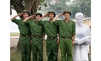 Thuê trang phục lính, bộ đội, hải quân giá rẻ TPHCM