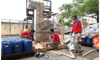 Đóng gói hàng hóa xuất khẩu tại KCN Kim Hoa