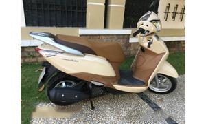 Honda Lead 125 màu Vàng Nâu