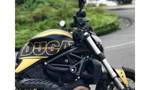 Xe Ducati Monster 821 - Đen vàng độc đáo - New 99%