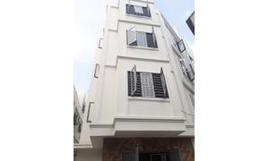 Bán nhà tổ 9 phường Việt Hưng 4,5 tầng, Đông Bắc, DT 34m2 ô tô đỗ cổng