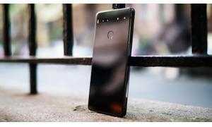Essential Phone like new 99% có bảo hành