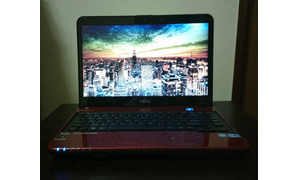 Laptop made in japan i7 8cpu SSD Vga 2G FUJITSU LIFEBOOK LH532