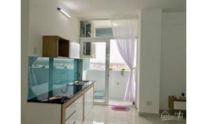 Cho thuê căn góc, ban công hướng biển, 2PN có cửa sổ, 2 WC, mặt phố